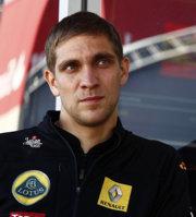 Vitaly Petrov, Lotus Renault GP, GP España, F1, 2011 paddock
