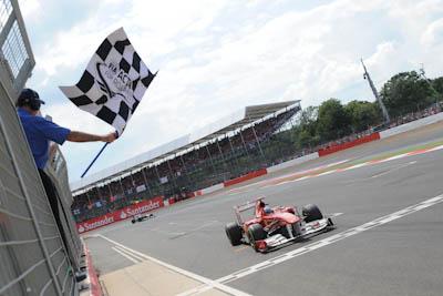 Fernando Alonso, Scuderia Ferrari, GP Gran Bretaña, 2011. Formula 1. GP09 Cruza meta
