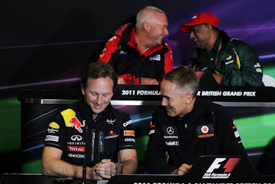 Christian Horner, Martin Whitmarsh, FIA meeting, GP Gran Bretaña, 2011. Formula 1. GP09