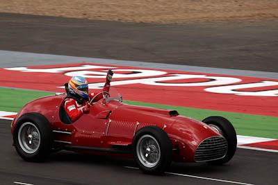 Fernando Alonso,F375, Scuderia Ferrari, GP Gran Bretaña, 2011. Formula 1. GP09. Saluda