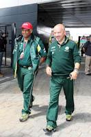 Mike Gascoyne, Tony Fernandes, Team Lotus Renault, GP Gran Bretaña, 2011. Formula 1. GP09. Reunion FIA