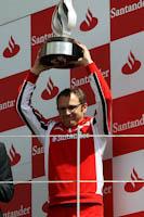 Stefano Domenicali, Scuderia Ferrari, Gp Gran Bretaña, 2011. Formula 1. GP09. Alza trofeo